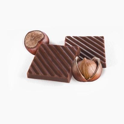 Молочный шоколад с орешкам