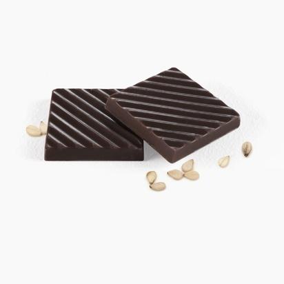 Черный шоколад с кунжутом